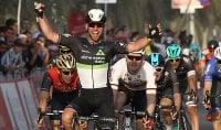 Abu Dhabi: volata vincente di Cavendish, terzo Bonifazio