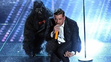 """Desmond Morris, euforia Sanremo """"Che onore la mia scimmia sul palco"""""""