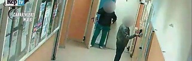 Napoli, 55 arresti per assenteismo in ospedale. 94 indagati al Loreto Mare, anche medici   video