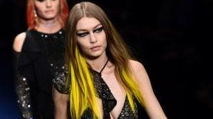 Versace: inno al potere femminile    Foto    Blugirl  |  Etro  |    Sportmax