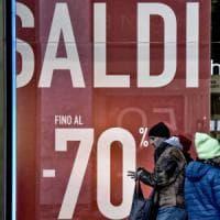 """""""Commercio, crisi che non si ferma"""": le famiglie hanno tagliato 300 euro di spese dal 2010"""