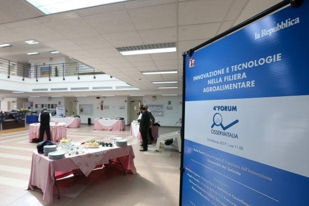 Osserva Italia, le foto del forum di Lecce