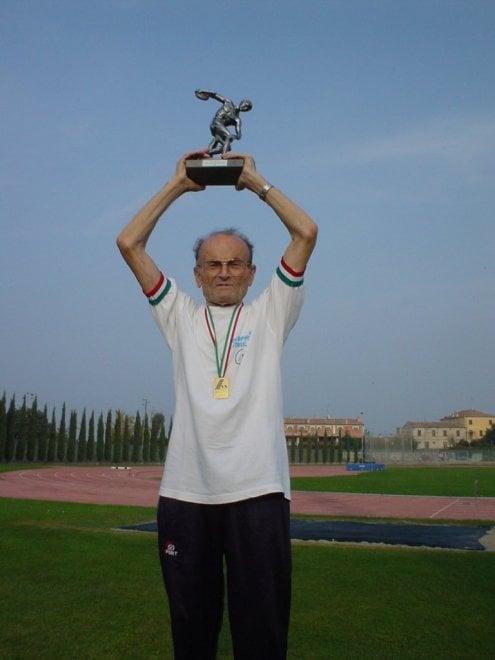 Salto in lungo record del mondo per il centenario for Repubblica homepage it