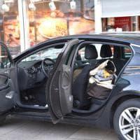 Germania, investe passanti in zona pedonale: polizia esamina l'auto dopo l'arresto