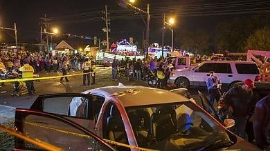 Usa, veicolo tra la folla a New Orleans durante parata: almeno 28 feriti   video