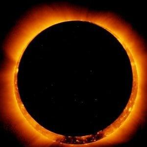Eclissi solare anulare, un anello di fuoco nel cielo. Visibile dal Sudamerica, non dall'Italia