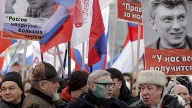 Russia, in migliaia a Mosca per ricordare Nemtsov. Omicidio ancora senza risposte