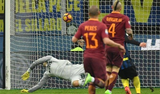 La Roma dà spettacolo, tris all'Inter   foto