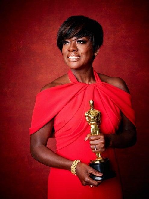 Il trionfo di Viola Davis: è la prima attrice nera a vincere l'Oscar, Emmy e Tony Award