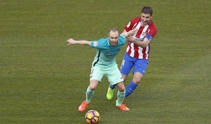 """Iniesta difende Luis Enrique  """"Siamo al mille per mille con lui"""""""