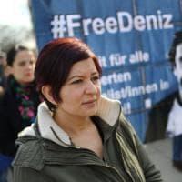 Turchia convalida l'arresto di Yucel, corrispondente del Welt. Ira di Merkel