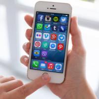 """""""iPhone 8, schermo Oled curvo e addio alla porta Lightning per la Usb C"""""""