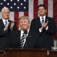 """Trump al Congresso Usa: """"Via Obamacare, taglio epocale delle tasse, stretta su immigrati..."""