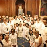 Trump al Congresso, esponenti democratiche vestite di bianco per i diritti delle donne
