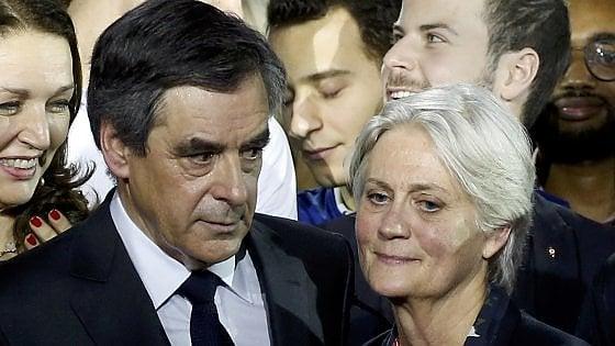 """Elezioni in Francia, Fillon convocato dai giudici. Ma lui: """"Non cedo a questo assassinio politico, vado avanti"""""""