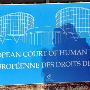 """Violenza in famiglia, corte Strasburgo condanna l'Italia: """"Non ha fatto abbastanza e un ragazzo morì"""""""
