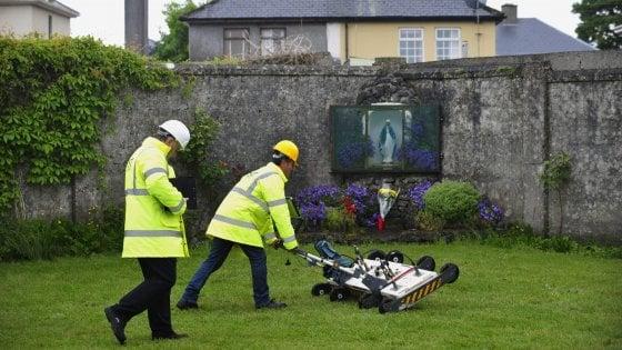Irlanda, fossa comune vicino ad un ex istituto religioso con i cadaveri di 800 bambini