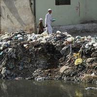 Oms: morti infantili, una su quattro causata da inquinamento