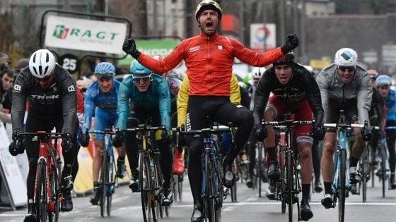 Ciclismo, Parigi-Nizza; Colbrelli show: battuti Degenkolb e Demare