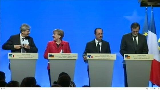 """Vertice a quattro sull'Europa a Versailles. I leader: """"Sì a un'Unione a più velocità"""""""