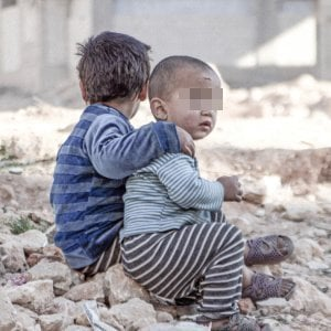 """Siria, le 'ferite invisibili' sui bimbi: """"Uno su 4 ha problemi mentali"""". In 6 anni 470mila morti"""