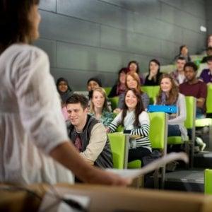 Università, solo poche donne al vertice della carriera da prof