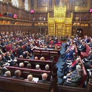 Brexit, nuovo schiaffo dei Lord al governo May