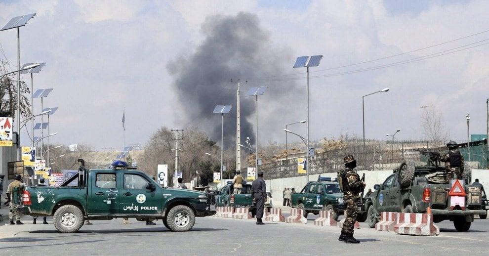 Afghanistan, attacco a ospedale militare Kabul: morti e feriti