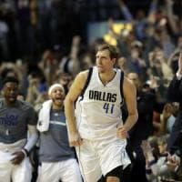 Basket, Nba: Nowitzki da record, superata quota 30mila. E Westbrook ne fa 58