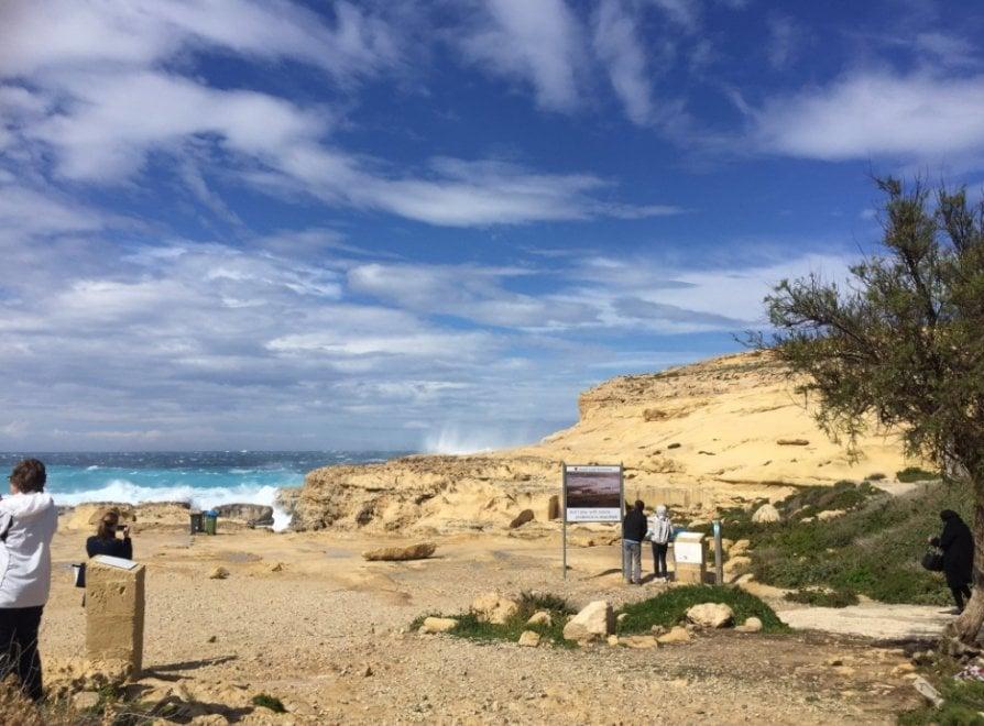 Malta crolla la finestra azzurra tutta colpa di una - Finestra sul mare malta ...