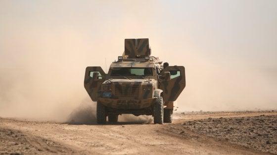 Isis, l'artiglieria dei marines schierata a Raqqa: cresce l'impegno Usa  in Siria
