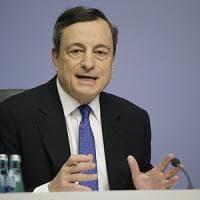 Draghi va avanti sulla sua strada. E si schiera con la Germania contro Trump