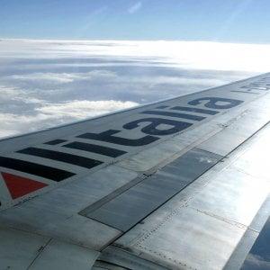 Alitalia, nasce l'Associazione nazionale piloti: bocciato il piano di tagli