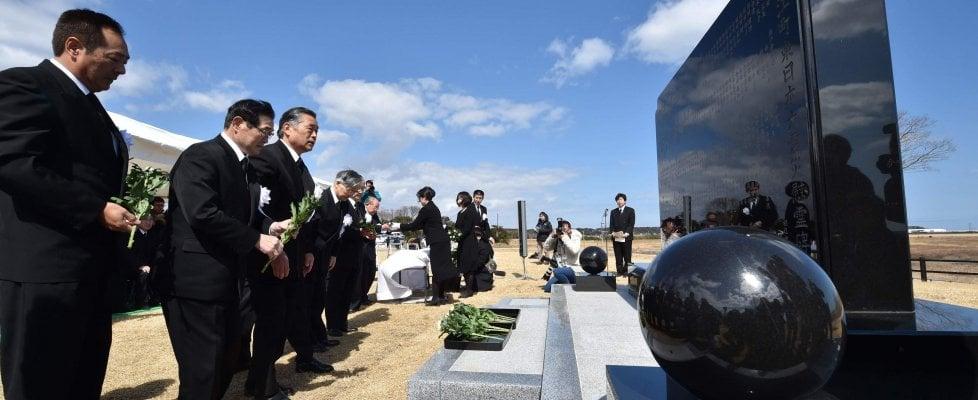 Giappone, silenzio e commozione nel sesto anniversario dello tsunami