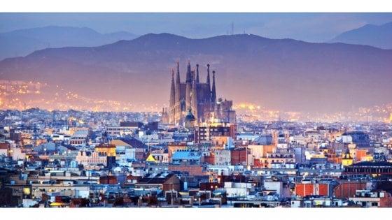 Smog, Barcellona si prepara a togliere le auto vecchie dalle strade