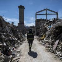 Dai falsi terremotati alla beneficenza-truffa: ecco chi sono gli sciacalli del sisma