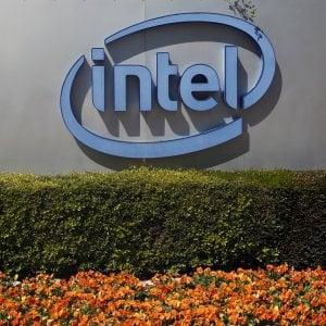 Intel punta 15 miliardi sulle auto che si guidano da sole
