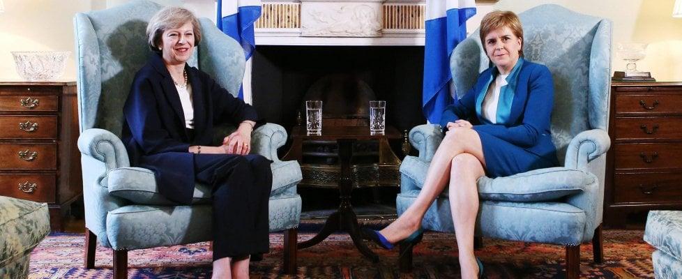 """No-Brexit, la Scozia fissa la data per un nuovo referendum. No di Londra: """"Creerebbe grandi incertezze economiche"""""""