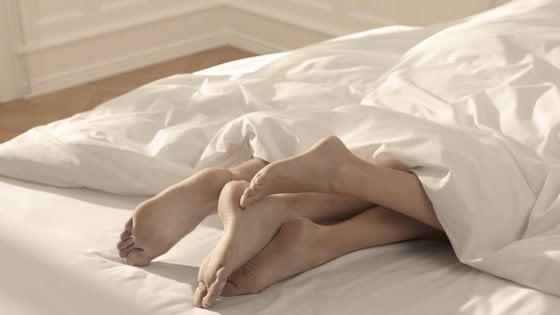 Se lavorare stanca, il sesso aiuta. ''Più produttivi dopo una notte d'amore''