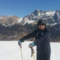 Lotti, vigilia di voto sulla neve: dal museo Messner allo stadio del ghiaccio di Brunico