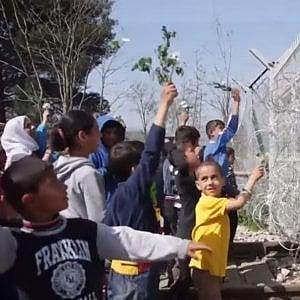 Grecia, Accorco Ue-Turchia: si moltiplicano i casi di autolesionismo, tentato suicidio e depressione tra i bambini