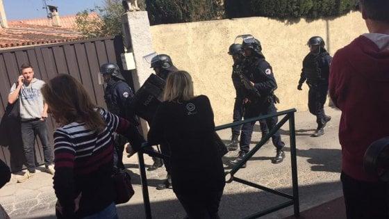 Francia, spari in un liceo a Grasse: almeno quattro feriti