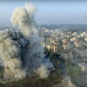 """Siria, raid aereo colpisce moschea: """"Decine di morti"""". Forze militari Usa: """"Non l'abbiamo colpita"""""""
