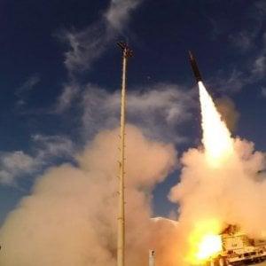 """Israele, missile siriano intercettato dal nuovo sistema Arrow. Damasco: """"Abbattuto aereo dello Stato ebraico"""""""