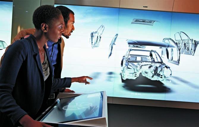 """""""Digital Experience"""", l'ultima rivoluzione dell'automobile"""
