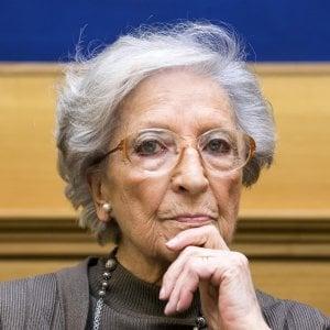 """Caso Ilaria Alpi, mamma Luciana: """"Giustizia incapace, mi arrendo"""""""
