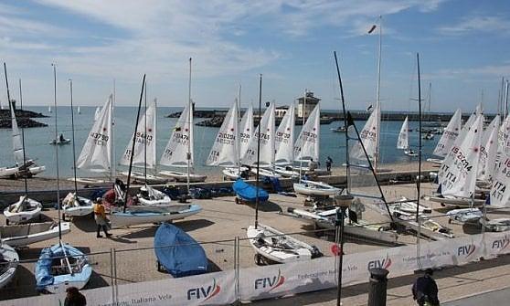 Vela, a Ostia gli atleti olimpici: ok dei giudici a riaprire il Porto turistico di Roma