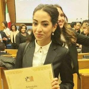 Studentessa modello premiata a Montecitorio, ma non entra perché immigrata
