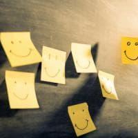 La ricetta della felicità? Lavorare all'uncinetto e scrivere canzoni
