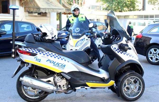 La Polizia spagnola sceglie lo scooter Piaggio MP3